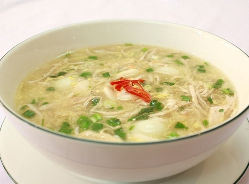 hoc nau an cung Truong day nau an VAAC mon sup tran chau
